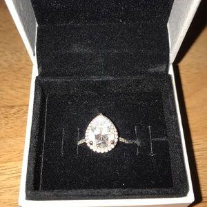 Pandora Radiant Teardrop Ring in Rose Gold
